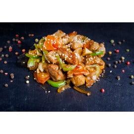 Свинина с овощами в соусе терияки